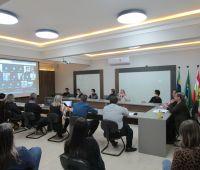 Presidentes e diretores das associações empresariais da Serra Catarinense se reúnem para reunião plenária da Facisc