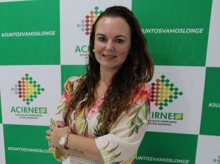 Nossos líderes: Entrevista com Casciane Antunes