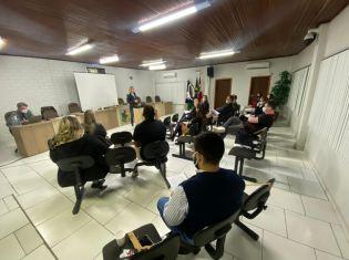 Jovens empreendedores de Trombudo Central participam de curso de